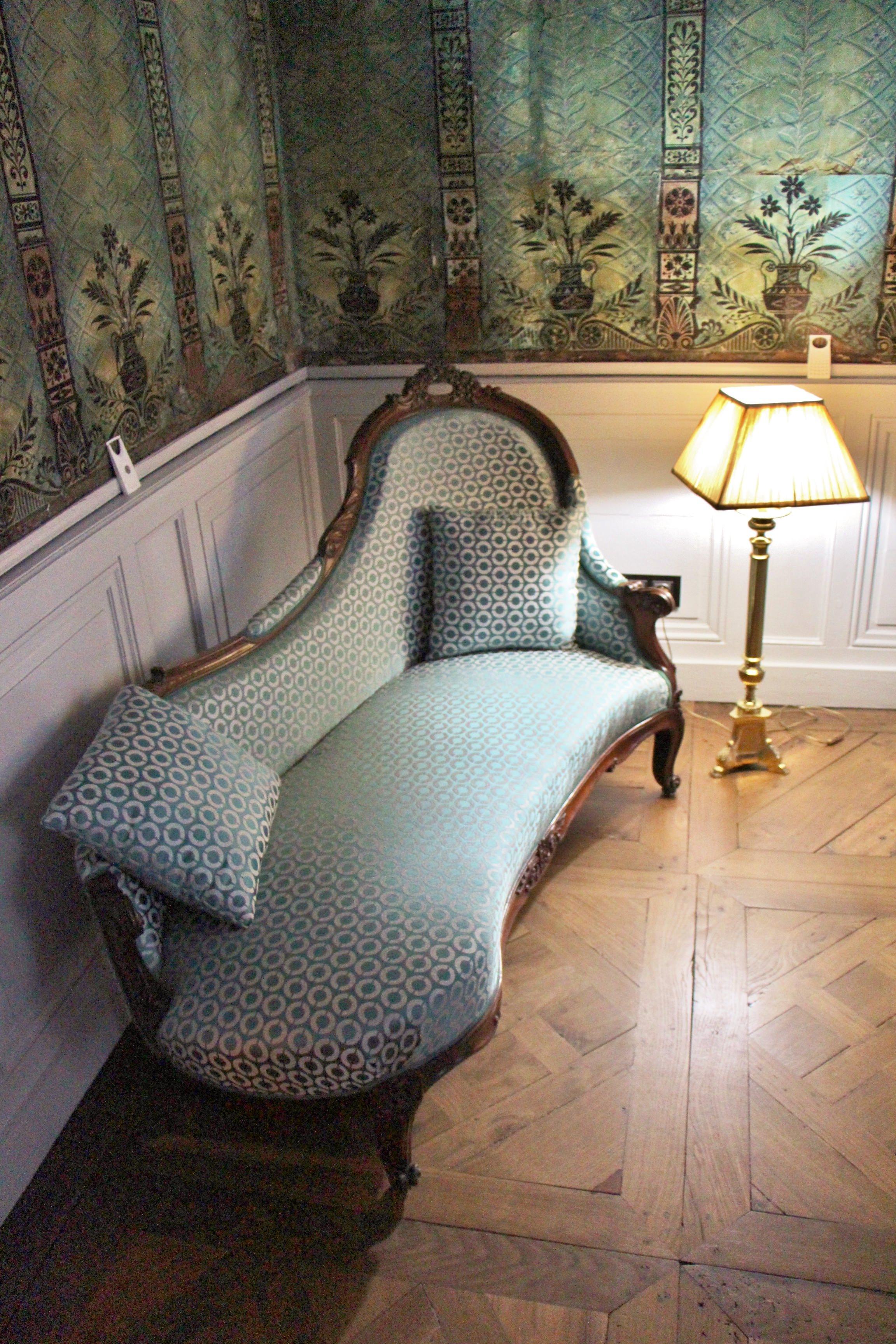 Sylvie-Lopez-Une-maison-de-maître-du-XVIIIème-méridiènne-bleue