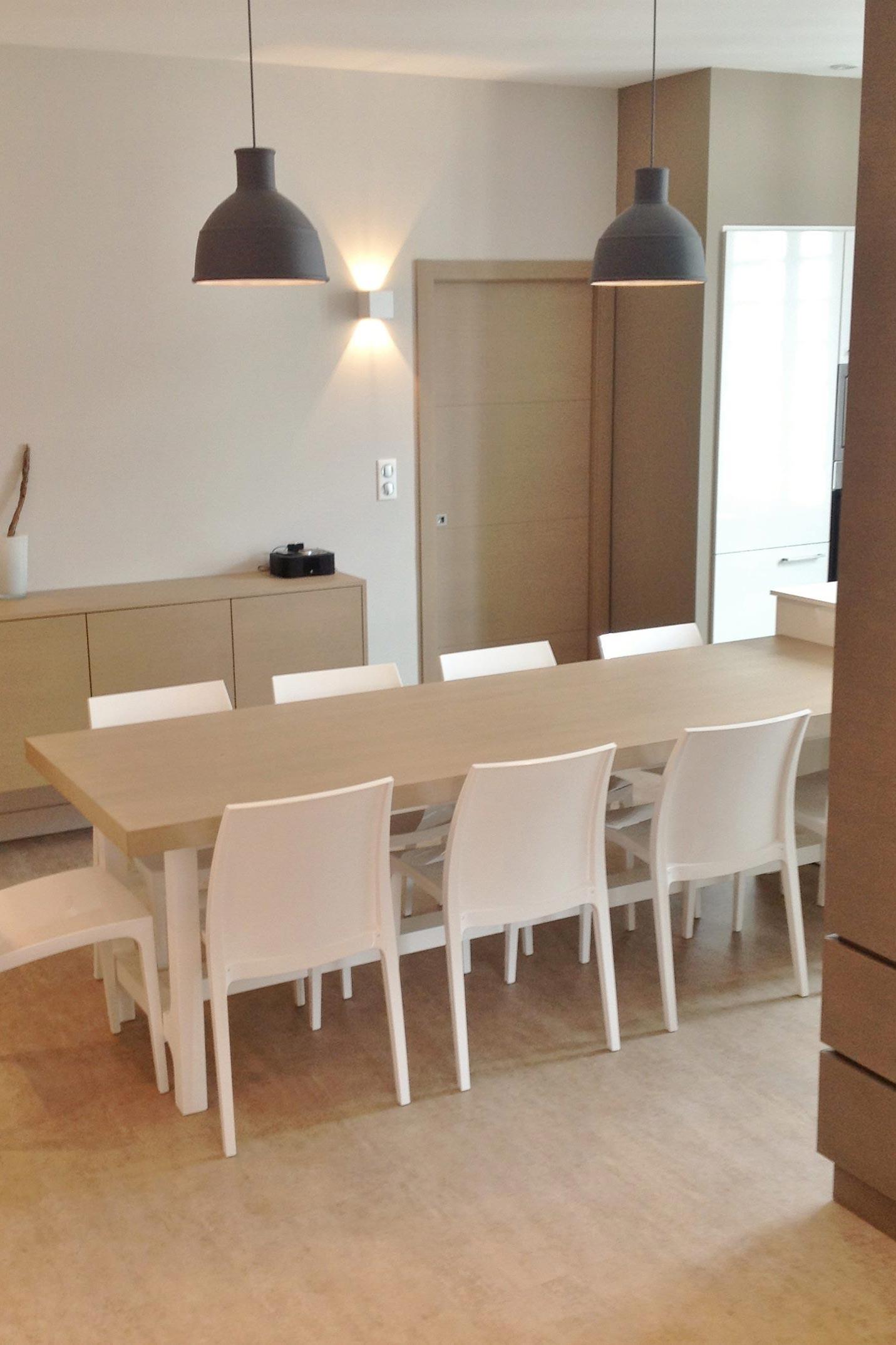 Sylvie-Lopez-appartement-de-vacances-saint-jean-de-luz-salle-à-manger